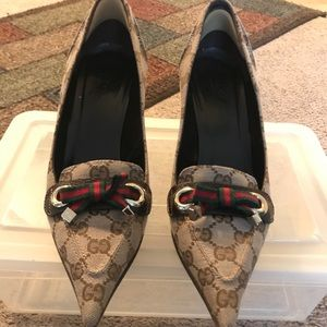 Gucci Women's Pointed Toe Heels